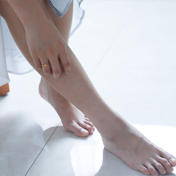 Dry Skin - Female Legs